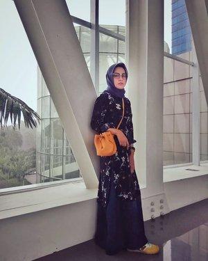 Wikenannya udah selesai, yuk pulang 🤗....#ClozetteID  #ShoxSquad #personalblogger #personalblog #indonesianblogger #lifestyleblog #Hijab #likeforlikes
