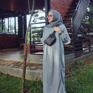 Morning Thursday . Dress @unime.id . . . #ClozetteID #ShoxSquad #personalblogger #personalblog #indonesianblogger #lifestyleblog #Hijab #likeforlikes