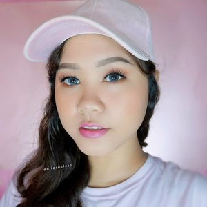 💞Decided to make this look because I luv pink 🙆‍♀️Oh and also I tried velvet lipstick from @sulamitcosmetics here for this look! You can check out my review about Sulamit products on my blog www.niiasantoso.com-Products used:💞 @pixycosmetics Spotcare Beauty SPF 15💞 @sariayu_mt Tinted Moisturizer SPF 20 💞 @riveracosmetics Eyebrow Pencil & Luminous Micro Powder💞 @eminacosmetics blush on💞 @sulamitcosmetics Velvet Lipstick shade 22 & Faux Lashes 02-@beautybloggerindonesia @beautygoers @beautiesquad @bunnyneedsmakeup #beautybloggerindonesia #BeautygoersID #beautiesquad #naturalmakeup #ragamkecantikan #sariayutintedmoisturizer #eminacheeklitblushon @clozetteid #clozetteid