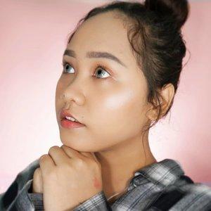 """Buka Puasa pake apa ya hari ini?"".....Tutorial for this look will be coming up soon! Super easy and simple! ❤.....#beautybloggerindonesia #beautiesquad #clozetteid #bunnyneedsmakeup #setterspace #ragamkecantikan #sociollabloggernetwork #makeupsimple #makeupoftheday"