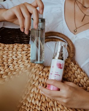 I'm so thrilled to share with you @altheakorea 's FIRST celebrity collab with @titi_kamall , Althea Stay Fresh Body Sparkling Mist 🌹 This mist is a lightweight body fragrance with fruity and floral scents: Orange, Peach, and Rose. The combination of these beautiful scents will give you that fresh feeling you need to seize the day. The bottle is perfectly sized to fit in your handbag or travel carry-on so you'll always be ready to impress😍..And I got @altheakorea 's  brand new Pore Purifying Serum Cleanser to help extract dirt from inside the pores and to maintain a healthy pH balance of the skin. I love the packaging soo much💙You can shop these products on Althea's website or Althea mobile app. #TitixAltheaKorea #AltheaAngels #AltheaKorea.#AltheaSerumCleanser #AltheaAngels #AltheaKorea #collabwithchen #clozetteid