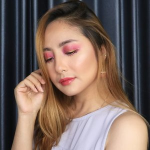 Ini hasil live tadi 😂Thank you yang udah nonton tadi liveku, maafkan kalau ribet karena sambil filming 😂😂😘😘..So.. Ceritanya ini bikin makeup tema Valentine yes makanya serba pink. @makeupforeverid Ultra HD Stick Foundation@thesaemid Concealer@lagirlindonesia Pro HD Concealer Beautiful Bronze@maybelline Fit Me Loose Powder@@milanicosmetics Powder Blush in Coral Cove@toofaced Chocolate Soleil@makeoverid Riche Glow Highlighter..@fanbocosmetics eyebrow@morphebrushes 35C palette @xpert_official Glitter Colour Burgundy@mizzucosmetics Chrome Eyeliner Gel in Sparkling Gold@poppydharsonocosmetics Mascara..@berl_official Lip Cream no. 3@romandyou Juicy Lasting Tint in Jujube..#fdbeauty  #clozetteid  #ivgbeauty #makeupclips  #tampilcantik #wakeupandmakeup #makeuptips #indobeautygram #makeupaddict  #undiscovered_muas #indovidgram #makeupvideo #lagirlindonesia #bvloggerid #beautyguruindonesia #beautygram #charis #beautybloggerindonesia #muablora #charisceleb #nyxcosmeticsid  #makeoverid #ragamkecantikan #koreanmakeup #korean