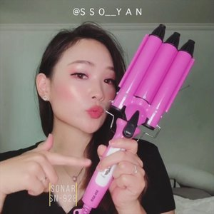 "Hello i want to introduce my hair curler. I bought it in bazaar pik avenue. Brand name is sonar, model is SN-928. It's my daily curler hair. I love to use it because easy to use and change my hair like ""yeo sin"" 🤣 Hopefully it helps to you @winanesbitt ❤️#koreanstyle #koreanhairstyle #clozetteid"
