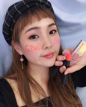 [2019 NEW YEAR GIVEAWAY TIME]Happy New year everyone!It's Onnie's giveway time! Last time i did Insta story Question about Your favorite Skinaz lip tint color. Many friends answer me want to get this product so here we go i will give it for New year gift but there is terms and conditions.-How to get this awesome product?1.Follow @soyan_kim @skinaz.indonesia 2.Like this photo3.Comment and tag 3 friends with hashtag #ssoyangiveaway (private account ❌)-3 Winner will get one of lip tint (@skinaz.indonesia lip tint orange color, Pink color and Sexy red lip tattoo) *winner will get the colour randomly. -Close on January 18! I will announce winner day after on my INSTASTORY and this post.GOOD LUCK GUYS❤️❤️#skinazindonesia #giveaway