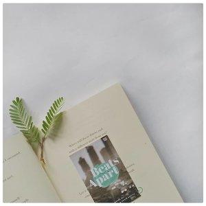 🍃...#clozetteid #bookish #bookstagram #beatsapart #instaread #bookishfeatures #flaylay #greenery #lesscontrast