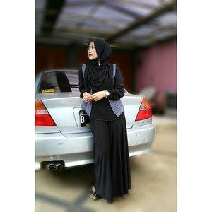 My version of city look kinda style for #clozetteenvyou #esteelauder #clozetteid #starclozetter #ootd #hootd #clozettehijab #monochrome #blackonblack #hijabootdindo #hijabstyleindonesia #hijabfeature_2015 #ootdhijabnusantara