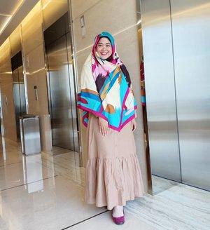 Udah belanja apa aja harbolnas ini? Saya bingung mau nyari diskonan apaan, hahaha. Kasih ide dong dong dong.. ..#clozetteid #clozettehijab #clozettedaily #starclozetter #ootd #wiwt #hotd #fashion #love #life #hijabootdindo  #swingdress #workingmom #socialmediamom #pastel #hijabi #hijabpop #teamOPPO #OppoF7 #LisnaSays👍