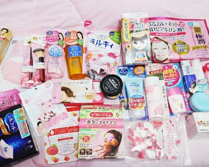 After hesitating between posting it as vlog or blog. I'm back to my comfort zone which is a blog post. 😄 Just updated www.elyayaa.com with my Japan beauty haul. 🇯🇵 read the haul details there! . . . . . . . . . . . . . #ellskincare #abcommunity #potd #instabeauty #japanesecosmetics #rasasianbeauty #clozetteID #clozette #clozetter #dryskinfighter #japaneseskincare #skincareroutine #glowingskin #skincareaddict #beautyblogger #skincare #flatlays #pinkmellenium