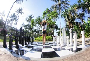 Don't be a pawn ♙ in somebody's game 🙅😉 Jadi, pion siapa yang menang hari ini?👀 📷 by @griskagunara 👍 #pawn #chess #Lombok #Indonesia #WonderfulIndonesia #pesonaIndonesia #skyporn #trees #coconuttree #monochrome #outdoor #ootd #ootdindo #ootdshare #shortjeans #hat #whiteshirt #tshirt #fashion #lifestyle #travel #travelinstyle #traveller #traveling #holidayresort #holiday #clozetteambassador #clozetteID