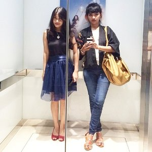 Being kewl with besties~ 😎 Where were we?😱 Tik tok tik tok Something that girls hardly can't avoid! Mirror 😝 #ootd #ootdmagazine #ootdindo #tulle #tutuskirt #blue #redshoes #fairytale #redshoes #redbag #blacktop #love #heart #necklace #fashion #fashionista #fashionid #fashiondiaries #instastyle #besties #aboutalook #plazaSenayan #mall #ClozetteAmbassador #clozetteID @clozetteid #lookbookindonesia @lookbookindonesia #beritafashion #formaldaily