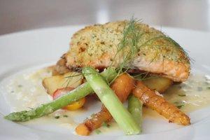 This is the best Pan Seared Salmon in town!💙 Bikin ketagihan 😋 Walaupun dagingnya juicy, tapi kulitnya crispy. Asinnya pun pas! Semuanya serba..pas👌 Ini salah satu Christmas Menu di @gastromaquia ⛄❄️ Christmas Menu lainnya, swipe to the left!  Minuman & makanannya enak, tempatnya cozy, nyaman, artsy.💙 Lebih lengkapnya tentang Christmas menu Gastromaquia, baca di blog post terbaru saya di: http://leonisecret.com/review-christmas-menu-ala-gastromaquia/ Or click link on my bio😉 Thanks to @clozetteid 💙 #CLozetteid #GASTROMAQUIAXClozetteIdReview #gastromaquia #gastromaquiajkt #fromMadridtoJakarta #Gastronavidad #review #culinary #christmas #kuliner #foodgasm #foodporn #foodism