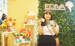 Hai gengs, hari Minggu kemarin aku hadir di acara Grand Launching Ediva Series. Terdapat dua produk baru dari Ediva Series yaitu Ediva Pure dan Ediva Young. Ediva Young adalah suplemen makanan untuk memelihara kesehatan kulit, sedangkan Ediva Pure adalah suplemen untuk membantu meringankan gejala pre-menstruasi. Ediva Pure ini cocok banget dikonsumsi untuk kalian yang suka sakit perut waktu PMS atau bahkan pas lagi haidnya. Aku termasuk yang sakit banget perutnya kalau lagi PMS ataupun haid, dan sakit perutnya tuh enggak selesai-selesai sampai haidnya selesai gituloh. Aku pernah sakit perut yang kebangetan sampe enggak bisa gerak, kalian gitu juga enggak? Kalo iya, mesti cobain suplemen ini deh beneran! Anyway thanks to @edivaseries dan @beautynesia.id yang udah kasih aku kesempatan untuk hadir di Grand Launching Ediva. ❤ . . @aeonstore_id  #EdivaGrandLaunch #EdivaSeries #EdivaPure #EdivaYoung #MeijiIndonesia . . #clozetteid
