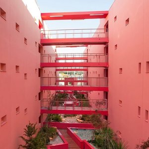 This architecture and design is #majorlove , I could stay all day looking at it 💕..Picture credit #pinterest ❤️...#exploretocreate #clozetteid #pink #architecture #design #style