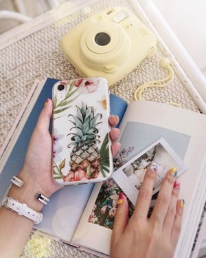 My pineapple🍍case from @hanogramcase just in time for #CNY ❤️❤️❤️ Stand tall with a crown, you can also customize and personalize your own phone cases !! // Enjoy FREE shipping worldwide on Hanogram.com Besides use my code STEVIEW to enjoy 15% off your purchases.  #hanogramcase #hanogram .....#exploretocreate #clozetteid #iphonexr #phonecase #shotbystevie #handsinframe #cute #illustration #collabwithstevie #nailart