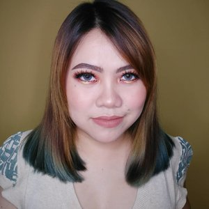 Makeup ape ye nama nya? Hmmm.... . Besyok di upload tutorial nya ! ❤️ Yang jelas ini look nya pake eyeshadow palette iMagic dari @nesbeautystudio ✨ . Other deets : • Aloe vera Spray @naturerepublic.id • Skincare @astalift_indonesia • Primer @catrice.cosmetic • CC Cream @lakmemakeup @lakmeprgirl • Eyebrows Sheetheart & @maybelline • Eyeshadow palette @nesbeautystudio • Eyeliner @sophie.paris.id • Eyelashes @the.flashes • Bronzer @benefitindonesia • Blush @lakmemakeup @lakmeprgirl • Highlighter iMagic Palette • Lipcream @volia.id • Softlens @zendiixsoftlens . . . . . . . . . . . . . . #makeup #makeuptutorial  #wakeupandmakeup #tutorialmakeup  #clozetteID #flovivi #makeupvideo #inspirasicantikmu #muajakarta #makeupoftheday #makeupforbarbies #ragamkecantikan #mua #aestheticmakeup #kawaiimakeup #likeforlike #tampilcantik #beautybloggerindonesia  #bvloggerid #indobeautygram #ivgbeauty #bunnyneedsmakeup #hudabeauty #belajarmakeup  #tutorialmakeuplg Jangan nyolong hashtag dong... Mendingan minta drpd copas. Hehe DM aja ke gueeee @FLOVIVI ntar dikasi kok. Wkwk ✨✨✨ @bunnyneedsmakeup @beautilosophy @tampilcantik @indobeautygram @bvlogger.id @beautybloggerindonesia @indovidgram  @tips__kecantikan @wakeupandmakeup @bloggermafia @setterspace @popbela_com @zonamakeup.id @ragam_kecantikan @inspirasi_cantikmu