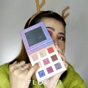 HOLIDAY VIBES 🎄❄️🎅🏻 Ini look super kece banget. Complexion nya flawless + eyeshadow nya mantullll Pake eyeshadow nya FOCALLURE yang Night Elf & Contour palette FOCALLURE yang Sculpt Glow dari @beauty.skyblue . . Details : • Sunscreen @getthelookid • Foundation @benefitindonesia Hello Happy 03 • Eyebrows @minisoindo • Powder @ran_cosmetic_indonesia • Eyeshadow @beauty.skyblue FOCALLURE night elf • Eyeliner @silkygirl_id • Bronzer @beauty.skyblue FOCALLURE Scult Glow • Blush @eminacosmetics • Highlighter @beauty.skyblue FOCALLURE Scult & Glow • Lipcream @romandyou Lip Driver 03 • Lipgloss @maccosmetics Lipglass . . . . . . . . . . . #makeup #makeuptutorial  #wakeupandmakeup #tutorialmakeup #flovivi #makeupvideo #inspirasicantikmu #muajakarta #makeupoftheday #makeupforbarbies #mua  #100daysofmakeup #slave2beauty #allmodernmakeup #beautybloggerindonesia #tampilcantik  #clozetteID #ivgbeauty #bunnyneedsmakeup #makeuptutvid #tutorialmakeuplg #ragamkecantikan #cchannelbeautyid Jangan nyolong hashtag dong🙅🏻‍♀️ 🌺🌺🌺 @beautybloggerindonesia @bunnyneedsmakeup @cchannel_beauty_id @beautilosophy @tampilcantik @indobeautygram @bvlogger.id @indovidgram @tips__kecantikan @wakeupandmakeup @bloggermafia @setterspace @popbela_com @zonamakeup.id @ragam_kecantikan @inspirasi_cantikmu