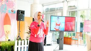 Salah satu team @lovepinkindonesia yang sharing saat ia terdeteksi menderita penyakit kanker payudara st 2B. Beliau mengingatkan para wanita muda seperti saya dan moms blogger serta influencer lainnya betapa pentingnya menjaga kesehatan payudara..Berikutnya kami pun diajak mempraktekan langsung cara mendeteksi payudara sendiri..@sorellaidSupported media by:@womantalk_com@thesmartmamas@grid_id@tabloidnovaofficial...#allaboutinnerbeauty#sorellainnerbeauty#sorellaindonesia#sorellagoestolombok#smartmama#gridid#womantalkdotcom#respectstartswithme#cicidesricom #cidessharing #cidesupdate #cidesreview #clozetteid