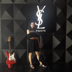 Another post from #yslbeautyhotel #yslbeautyhotelid . . I will post other photos about this hyped event soon! Just a few hours till this hotel closed, make sure to go there before it's too late! . . #yslbeautyid #yslbeauty #motd #ootd #luxury #installation #tampilcantik #beauty #blogger #instablog #beautybloggerindonesia #bloggirlsid #indoblogger #Clozetteid