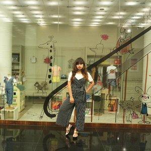 Fashion looks better when you feel good on the inside  ________________________________________ #clozetteid #looklikeaprincess #ootd #princess #stripe #holidays #fashionblogger #fashionblog #travelblogger #instafashion #ootd #beautiful #ootdmagazine #fashioninspo #styleinspiration #styleblogger #stylegram #streetfashion #lookbook #lookoftheday #whatiwore #whattowear #bloggersgetsocial #fitspiration #likegram #travelling #traveler #travelphotography