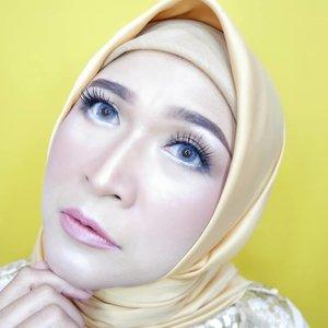 Nyobain kuning,  sekarang yg lagi rame bukan kuning lagi ya?  #makeupbyedelyne #makeup #makeupandhijab #hijab #hijabstyle #motd #makeupoftheday #clozetteid #mua #makeupwisuda #beautyinfluencer #wakeupanmakeup #cantiknatural #muabandung #muagarut #muaindonesia #riasmuslimah #belajarmakeup