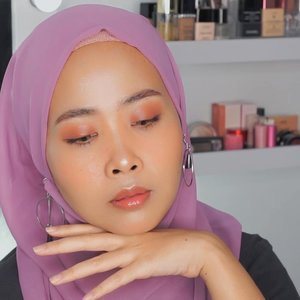 Hasil makeup yang ada di pouch makeup kl pergi-pergi  Detail @pixibeauty (setting spray makeup before-after makeup) @lagirlcosmetics (orange) @nyxcosmetics_indonesia ( cushion foundation) @nyxcosmetics_indonesia ( wonder stick ) @pixycosmetics (cream blush orange) @urbandecaycosmetics x @kristenxleanne ( eyeshadow) @esqacosmetics ( lip gloss jakarta mix tokyo and blush honolulu) @benefitindonesia (browzings 05 and mascara bad gal bang) . . . . . . . . 100daymakeupchallenge #beautyenthusiast #beauty #beautygram #makeup #makeuptutorial #contourtutorial #makeup #beautygoersid #indobeautygram #indoveautysquad #beautygram #beautybloggerindonesia #tasyashoutoutfarasya #dwiendahpusparini #clozetteid #clozette #ivgg #ivgbeauty #esqa #esqaddicted #minitutorial #indovigram #eotd #ibv  @beautybloggerindonesia @tampilcantik @ragam_kecantikan @cchannel_beauty @indobeautygram @tips_kecantikan @popbela_com @clozetteid @bloggermafia