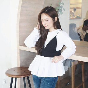 Today's attire in this uber cute top from @florence.attire 💖 The quality of this top is superb! Love it 😍 - - - #outfitoftheday #ootdindo #lookbookindo #kstyle #kfashion #koreanstyle #koreanmakeup #ulzzang #dailymakeup #dailyessentials #dailystyle #cgstreetstyle #clozetteid #florencelooks
