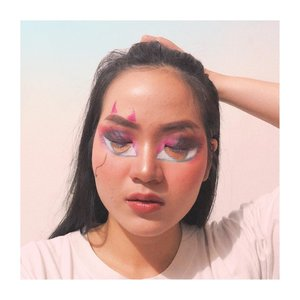 Bratz makeup collab yang tida nampak seperti bratz wkwk btw i'm using eyeshadow only & without facepaint sama sekali! Pake morphe aja ceuuu~ . . . . List nama Instagram : Collage 1 : 1.@dwinov89 2. @amandasmess  3. @ayusugeng 4. @rinisinam 5. - 6. @dindarifalarasati 7. @deemiiaa 8. @christyrsm 9. @bernadettemerggy  Collage 2 :  1. @ayumayyasya 2. @olin.dnd 3. @zeendudss 4. @dhenis_28 5. @ssabihaislam 6. 7. @gadishayu 8. @Yuliafirstian 9. @nazlahaddar  Collage 3 : 1. @lidyaagustin01 2. @nadyasmeen 3. @n.namiraa 4. @raranadiraaa 5. @awkdewi 6. @majaranae 7. 8. @onie_callista 9. @arvi.n  Collage 4 : 1. @villyanarenata 2. @hanjizah 3. @jennitanuwijaya 4. 5. - 6. @fikamw  7. @hestioktaviawati 8. @arianirosidi 9. @nazlahaddar . . . #clozetteid #ggrep #jenntan #jennitanuwijaya #beautynesiamember @beautynesia.id #kbbvfeatured @kbbvbyacb #beautiesquad @beautiesquad #beautyinfluencerjakarta  #indobeautyceleb @tips__kecantikan #beautybloggerindonesia @beautybloggerindonesia #bloggermafia #indonesianfemaleblogger #tampilcantik @tampilcantik #fdbeauty #indobeautysquad @indobeautysquad #jenntanmakeup #zonamakeupid @zonamakeup.id #beautygoersid  @beautygoers #indobeautygram #ivgbeauty @indovidgram @indobeautygram #bunnyneedsmakeup @bunnyneedsmakeup @ragam_kecantikan #cantikcantikcreator #cantikcantikcompilationvideo