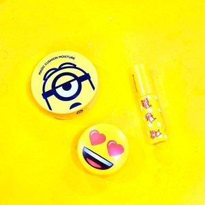 Sunday's mood 💛...#clozetteid #innisfree #apieu #missha #potd #cute #bblogger #style #instagood #flatlay #photooftheday #makeupjunkie #makeup #vscocam #vsco #vscogood #l4l #f4f #lik4like #beauty #beautyaddict #makeupflatlay #beautybloggerid  #indonesianbeautyblogger #cushion #yellow #beautyblogger #makeupaddict #makeupjunkie #bloggerperempuan