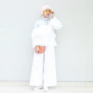 Strength grow in the moments, when you think you can't go on, but you keep going anyway......#clozetteid #starclozetter #ootd #ootdindo #outiftoftheday #denim #hijabootdindo #hijabootd #ootdhijabindo #blogger #bloggerstyle #fashionblogger #tumblrgirl #hijabstyle #dailyhijab #modestfashion #fashionstyle #LykeAmbassador #Beautynesiamember #ggrepstyle