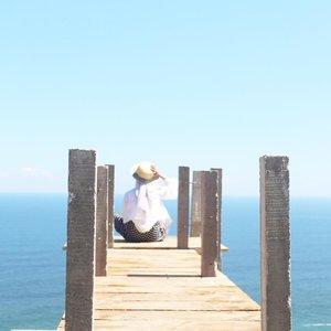 Dear Myself, Im sorry that i didn't give you enough time to heal. .......#clozetteid #explorekebumen #bloggerlife #bloggerstyle #maensebentar #keluarsebentar #beach #beachbabes