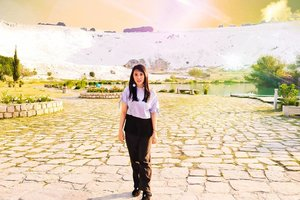 Because there is a story for every photo I took. This photo was taken in Cotton Castle, Pamukkale, Turkey One of the beautiful view in the world. . Hop over to myculinarydiary.com/TRAVEL to see my experience in abroad. #sisytravelingdiary #traveljourney #ootd #ootdfashion . . . . . . . #beach #clozetteid #cottoncastle #photooftheday #potd #fblogger #summer #travel #travelgram #maldives #summeressentials #warm #turkey #foodblogger #prettycorner #goodvibes #conradmaldives #bestoftheday #bestofthebest  #seminyakvillage #holiday