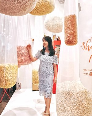 Living in a world full of POPCORN 😍😍 .  Check out myculinarydiary.com for more awesome post . . . . . . . . #clozetteid#cosmetic#beauty#makeup#ootdfashion#beautyblogger#fashion#weddingku#bridestory#likeforlike#tagsforlike#photooftheday#potd#instabuzz#japanese#korea#koreanmakeup#followme#travel#marriage#popcorn #bride #weddingdecoration