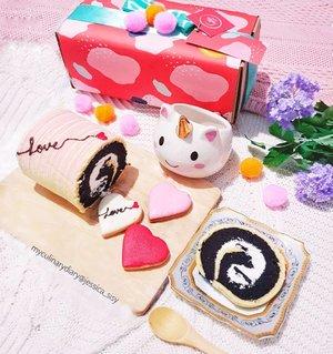 SWIPE FOR THE DETAILSValentine's Roll Cake and Cookies by @solliecake (limited edition!)Bentar lagi Valentine's Day nih, buat yg mau kasi kue coklat Oreo dan love cookies buat orang2 yg kamu sayangin, aku recommend @solliecake Roll cakenya super cute bgt! Ada tulisan LOVE gitu dan cookiesnya ada 3 warna  bentuknya hati ❤ buruan pesen karena ini LIMITED EDITION!Can't resist the cuteness 😍😍😍.SOLLIE CAKERUKO MOI (dekat lobby 4).Hop over to myculinarydiary.com/TRAVEL to see my experience in abroad.#sisytravelingdiary #kuecantik #valentinesday #valentine #rollcake #kueoreo #cookies.....#clozetteid #travelgram #buzzfeed #murahmeriah #oreo #unicorn #unicorncup #kuevalentine  #dj_kattybutterfly36  #dessert #flatlayforever #flatlays #prettypinkcorner #pinkvibes #pink #photography #photooftheday #foodoftheday #cakedecorating #photoshoot