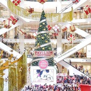 Christmas is getting near! Disney Christmas is at Pavilion KL. . . Hop over to myculinarydiary.com/TRAVEL to see my experience in abroad. #sisytravelingdiary #traveljourney #disneyland #disney #christmas . . . . . . #clozetteid #wisata #travel #igtravel #travelgram #buzzfeed #europe #holiday #kualalumpur #malaysia #mickey #whitechristmas #dubai #photography #photooftheday #foodoftheday #cakedecorating #photoshoot #fujifilm #beautifuldestinations