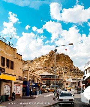 Back to Cappadocia : down town. Super beautiful scenery 😍😍😍