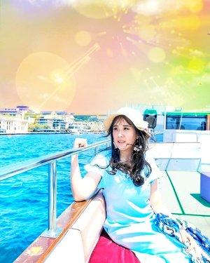When sea is your sanctuary place to rest your mind from your hecticness..Hop over to myculinarydiary.com/TRAVEL to see my experience in abroad.#sisytravelingdiary #traveljourney #ootd #ootdfashion .......#beach #clozetteid #vitaminsea #photooftheday  #potd #fblogger #summer #travel #travelgram #maldives #summeressentials #warm #followforfollowback #foodblogger #prettycorner #bosphorus #conradmaldives #bestoftheday #bestofthebest #balinesia #travelbali #seminyakbali #seminyakvillage #holiday