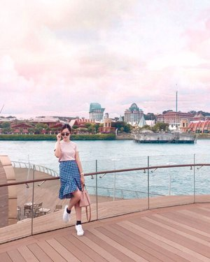 I find my self becoming greedy,Greedy for new experiences,New sights and cities.I've become an addict for adventures and I'm afraid there's no cure. #abellinSG #Singapore #clozetteid #cotd #abellwear