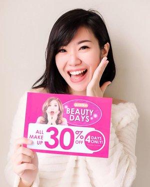 Guardian Beauty Days datang lagiiii!!!! Ayo para Beauty Enthusiast merapat, SEMUA PRODUK MAKEUP DISCOUNT 30% di @guardian_id di seluruh Indonesia. Ada Maybelline, Catrice, Lakme, Silkygirl, pokoknya SEMUA TANPA TERKECUALI ya makeupnya. Cuma 4 hari! mulai Kamis 31 JAN - Minggu 3 FEB 2019. Siapin daftar belanjaan, kapan lagi ada best deals begini, mana barangnya pasti asli, wajah cantik, dompet senang 😁☺ Weekend ini yahhh pasang reminder! #keGuardianyuk #GuardianBeautyDays #GuardianShoppingFrenzy #RacunMakeup....#beautyevent #eventkecantikan #clozetteid #guardian #guardianindonesia
