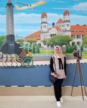 Tak semua perjalanan tentang memamerkan senang. Beberapa diantaranya untuk mengobati luka dan menemukan pulang.Sementara perjalananku adalah untuk merelakanmu- Fiersa Besari #clozetteid #ootd #hotd #hijabers #hijab #hijabindo #semarang #exploresemarang #jatenggayeng #hotel #travelblogger
