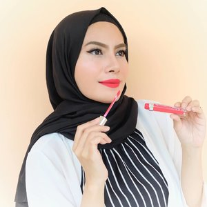 Heart You from @sanaturelofficial 💕 It's a classic red, bright color and so bold. My face appear brighter and It has blue undertone.The formula is the best though, easy to apply and very comfortable all day long.For you who adore red lippies or a fan of red color, you must try this one!Attention:Only for a brave, independent and strong woman 💄@shandyaulia#minireview#SANaturelbyShandyAulia #lipcreammatte#heartyou#FOTD#beautyblogger#red#redlipstick#starclozetter#clozetteID