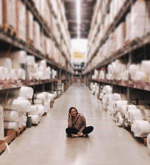 Akhirnya memberanikan diri untuk foto di salah satu alley di gudang nya Ikea. Minta pacal fotoin deh 😋📷: @yohanes_gerdisen.#clozetteID #deeshairjourney #cchannelid #potd #potdindo #vscocam #vsco #vscophile #vscogrid #peoplescreatives #igdaily #instadaily #instastyle #fashionblogger #photooftheday #justgoshoot #vscogood #clozetteid #snapseeddaily #snapseed #photoshoot #exploretocreate #vscodaily #love