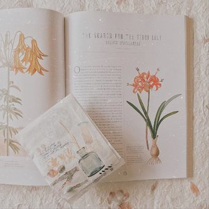Current reading while gather for inspirations to wrap up..........#clozetteid  #bookphotography #bookish #bookstagram #booktography #nature #aesthetic #photography #bloggerperempuan #flowers #bookworm #instareads #bibliophile #bookstagrammer #instabooks #bookslovers #reading #ilovereading