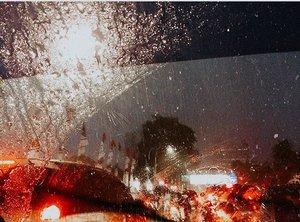Because every drop has a story............#listenindadailyjournal#travelphotography #nature #aesthetic #photography #bloggerperempuan #flowers #flowerstagram #flowerphotography #flowerpower #thoughts #qotd #shortstories #quotes #quotestoliveby #naturephotography #rain #clozetteid