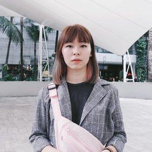 New hair color! 🤔...#clozetteid #fashionblogger #fashiondiaries #beautybloggers #bloggerperempuan #indonesianfemalebloggers #ggrep #hairstyle #japobshairjourney