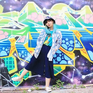 A full body #OOTD post with this dope graffiti wall 😎 Hop to my blog to read more about it 👆...#clozetteid #fashionbloggers #fbloggers #bbloggers #indonesianfemalebloggers #lookbookindonesia #cgstreetstyle #ggrep #looksootd #ootdindo #whatwelikeootd #bigdreamerblog #streetstyle #indofashionpeople #スタイル #今日の服 #패션스타그램 #스트리트스타일 #스트리트패션 #스타일