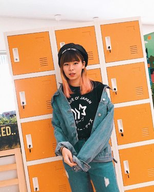 Belom siap, ada yang maksa buat upload foto ini 😒 @jssicanoviaa 😅😅 Aku miringin karena iseng aja, eh tapi ini yang foto si @kikyangela 🤣 Jessica mah ngepush doang 🙄 . . . #clozetteid #fashionblogger #japobsOOTD #denimondenim #kfashion #koreanstyle #ulzzangfashion #ggrepstyle #styleinspo #styleinspiration #darlingdaily #lifestyleblogger #今日の服 #コーデ #패션 #패션스타그램 #스트릿패션 #패피 #오오티디