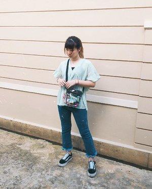 Padahal bisa aja tiap hari ke kantor pake outfit proper dikit kaya gini, tapi entah kenapa ujung2nya selalu lancai karna males dress up (swipe to see) 😤🤦🏻♀️ #japobsOOTD . . . #clozetteid #fashionblogger #outfitideas #styleinspo #indonesianfemalebloggers #bloggerperempuan #ootdindo #lookbookindonesia #ootdindokece #styleblogger #stylediary #whattowear #패션 #스트릿패션 #오오티디 #패션룩 #今日の服 #今日のコーデ #ファッション #コーデ #ファッションコーデ