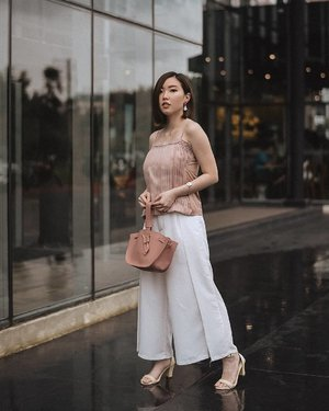 February and Valentine vibes is here. One of my pick is @lilja.id Sienna Top and @kokkakuma kiku bag in dusty. J'adore! (tap for details)......#beauty #blog #beautyblog #fashion #photooftheday #style #blogger #endorsement #endorse #photography #fashionblog #fashionblogger #pretty #life #instagram #pink #lookbook #photo #lookbooklookbook #model #happy #picoftheday #clozetteid