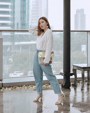 Loving rainy days in Jakarta(Tap for details).....#ootd #fashion #instafashion #fashionblogger #photography #photooftheday #fashionista #outfit #makeup #outfitoftheday #beauty #streetstyle #instagram #picoftheday #photo #me #beautiful #clozetteid