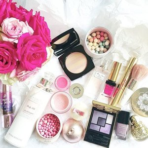 Because it's Valentine's Day, a pink post is necessary 💗👌 • ○ • ○ • ○ • ○ • ○ • ○ • ○ #clozetteid #clozette #fdbeauty #throwback #makeup #makeupflatlay  #valentines #makeuptoday #makeupmenu #makeuptalk #makeupmania #makeupaddict #makeupporn #makeupjunkie #makeuplover #makeupmess #makeupmadness #makeupobsessed #makeupheaven #makeuphoarder #thatsdarling #weheartit #indobeautygram #indonesianbeautyblogger #bblogger #beautyblogger #achanelshot